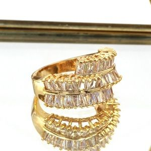 Ocean Fashion Jewelry - Golden three-tiered crystal ring